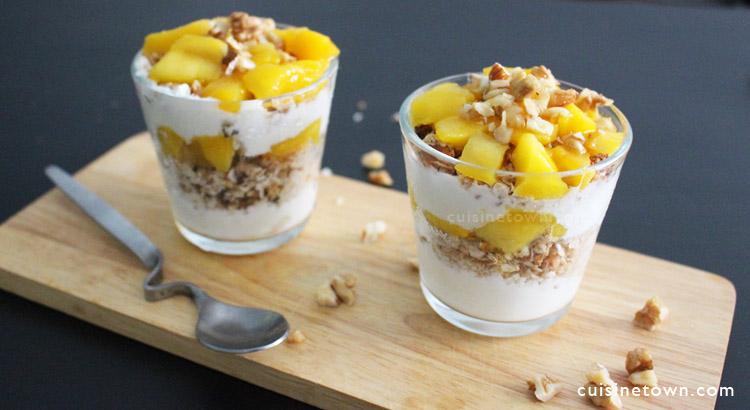 Granola Mango Yogurt Parfait